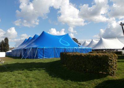 Berkvens tentenverhuur membraamtent blauw en wit
